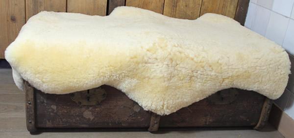 Wasbare schapenvacht: zachtgeel