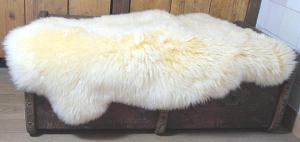 Wasbare schapenvacht: lichtgeel